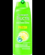 Fructis 250ml Fresh Shampoo helposti rasvoitttuville hiuksille