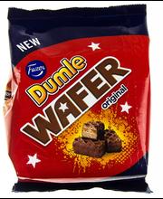 Dumle 215g Wafer,maitosuklaalla (39%) kuorrutettuja vohvelipaloja, joissa toffeetäytettä (24%)