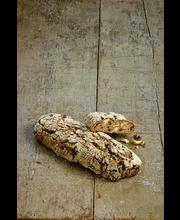 Cashew-Karpalo Ruisleipä