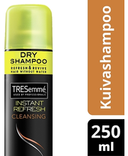 TRESemmé 250ml Dry Shampoo Instant Refresh