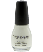 Sinful Colors 15ml kynsilakka Snow Me White 101