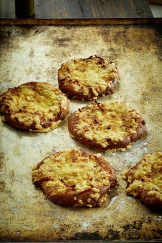 Fazer Leipurit Kinkku-ananas-aurajuusto pizza 1 kpl