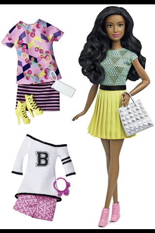 Barbie Fashionistas & Fashions sis. nuken ja vaatteita
