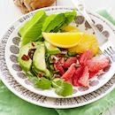 Sitrushedelmä-avokadosalaatti