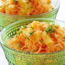 Hedelmäinen porkkanaraastesalaatti