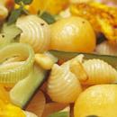 Meloni-broileripastasalaatti
