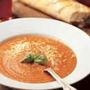 Tomaatti-basilikakeitto