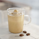 Kylmät kahvi-vanilladrinkit