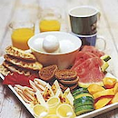Aamiaistarjotin