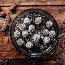 Taateli-suklaapallot
