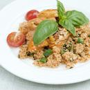 Tomaatti-vuohenjuustopaistosta ja mausteista couscouslisäkettä
