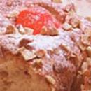 Gluteenittomat kirsikka-mantelipullat