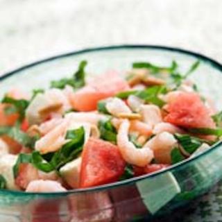 Vesimeloni-feta-katkarapusalaatti