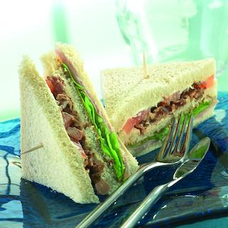 Kinkkuleipä - Club sandwich