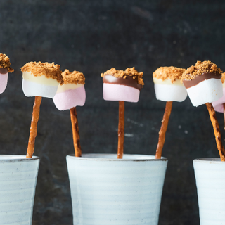 Suklaiset vaahtokarkkisuolatikut