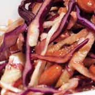 Marinoitu papu-kaalisalaatti
