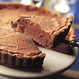 Pähkinäinen suklaamoussekakku