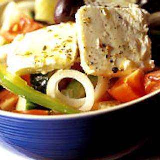 Kreikkalainen juustosalaatti