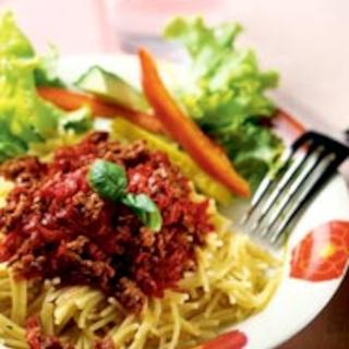 Punainen spagettikastike