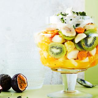 Marinoitu hedelmäsalaatti