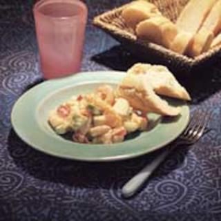 Hedelmäinen katkarapusalaatti