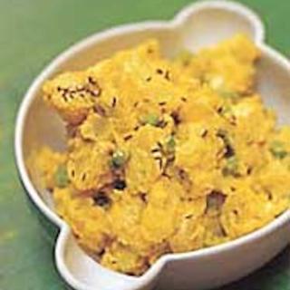 Intialainen perunasalaatti