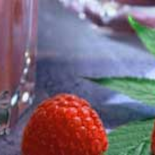 Pehmeä mansikkajuoma