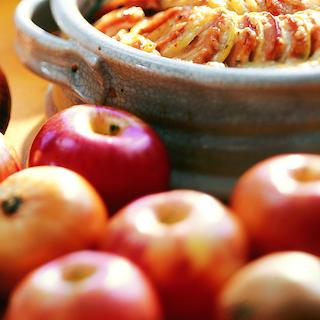 Omenainen uunimakkara
