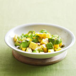 Avokado-mangosalaatti