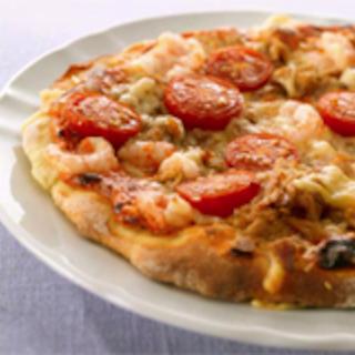 Tonnikala-katkarapu pizza