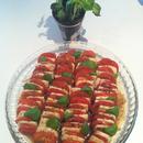 Caprilainen salaatti (insalata caprese)